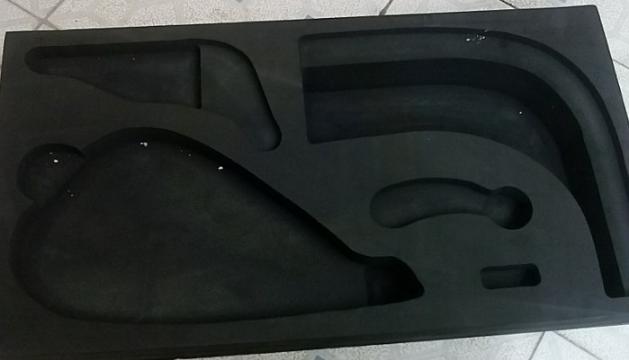 黑色EVA内衬